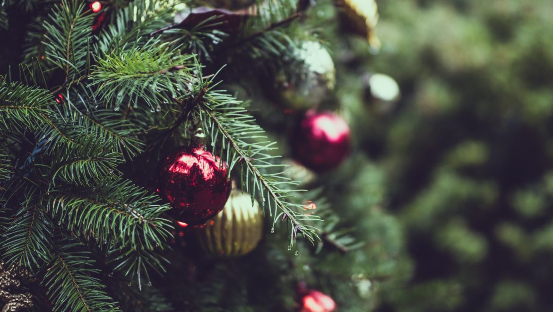 Weihnachts-, Advents- und Jahresabschlussfeiern vor dem Monitor